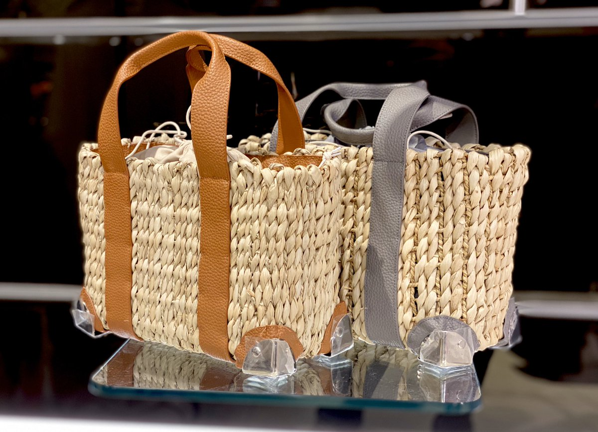 【NEWARRIVAL】  《ajew》 ○ the city basket tote  color:BROWN、GREY size: F price:¥ 18,000+tax pic.twitter.com/3MRhG54x3T