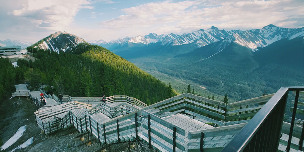 A #guide on the #CanadianRockies #MotherNature greatest gift to #NorthAmerica & a special place for #adventure seekers, #naturelovers & #outdoor enthusiast. https://www.bookmundi.com/t/the-ultimate-canadian-rockies-planning-guide… #travel #Wanderlust #BucketList #goalsetting #Canada #Tips #travelling #holidays #Blog #vacationspic.twitter.com/4pKKrH1leW