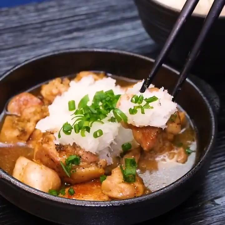 「鶏の生姜みぞれ焼き」の作り方!!!大根おろしがアクセントになっていてさっぱりで美味しい!色々なお肉でも作れます👍美味いやつやん!!!