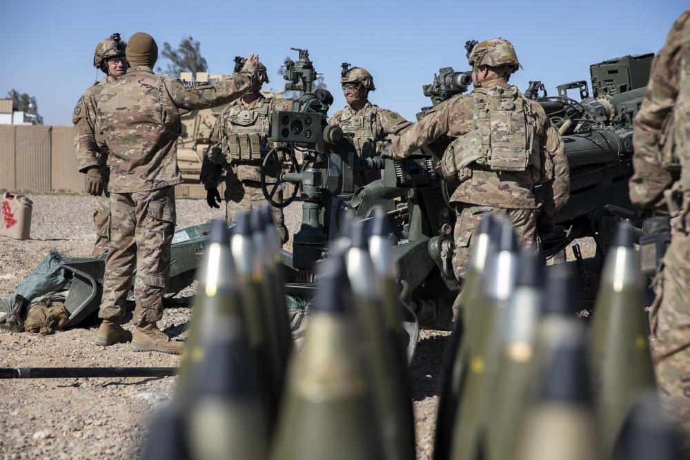 المدفع M777A2 الامريكي المقطور عيار 155 ملم  EUqWuwuWsAIEgso?format=jpg&name=medium