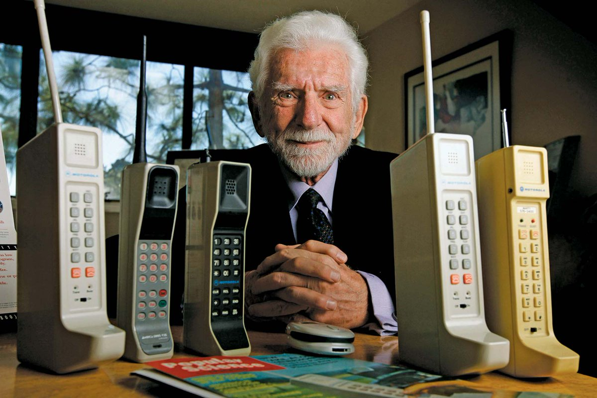 Call first phone the when made was cell The first