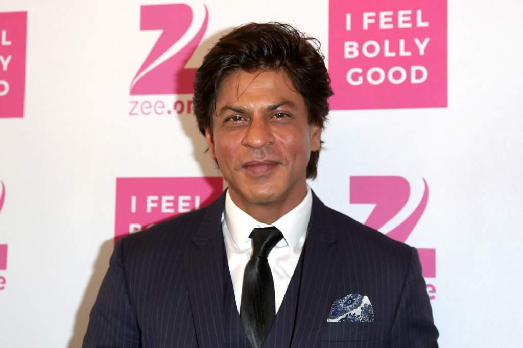 Bollywood Star Shah Rukh Khan Announces Initiatives To Help Indian Citizens During Coronavirus Battle  http:// dlvr.it/RT5Fkk    <br>http://pic.twitter.com/9JXwG34P0V