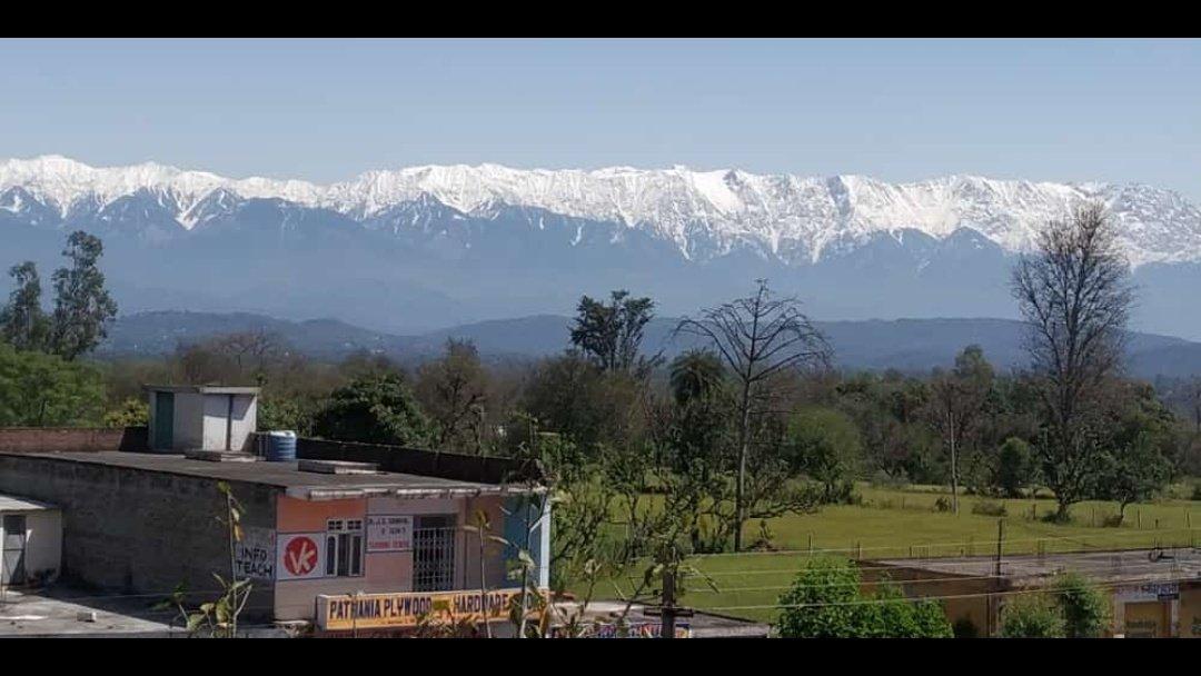 Tampak Gunung Himalaya dari kejauhan 200KM.