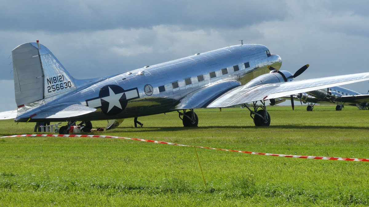 N18121 - 'The Great Silver Fleet', is a beautiful DC-3A built at the Douglas Santa Monica Plant in 1937 and one of the 15 Daks of the #ddaysquadron who flew from the USA to Normandy, #caen Carpiquet Airport, for #dday75 #daksovernormandy #dakotas #beauty #dc3 #dc3dakota https://t.co/xpPvnwRo4z