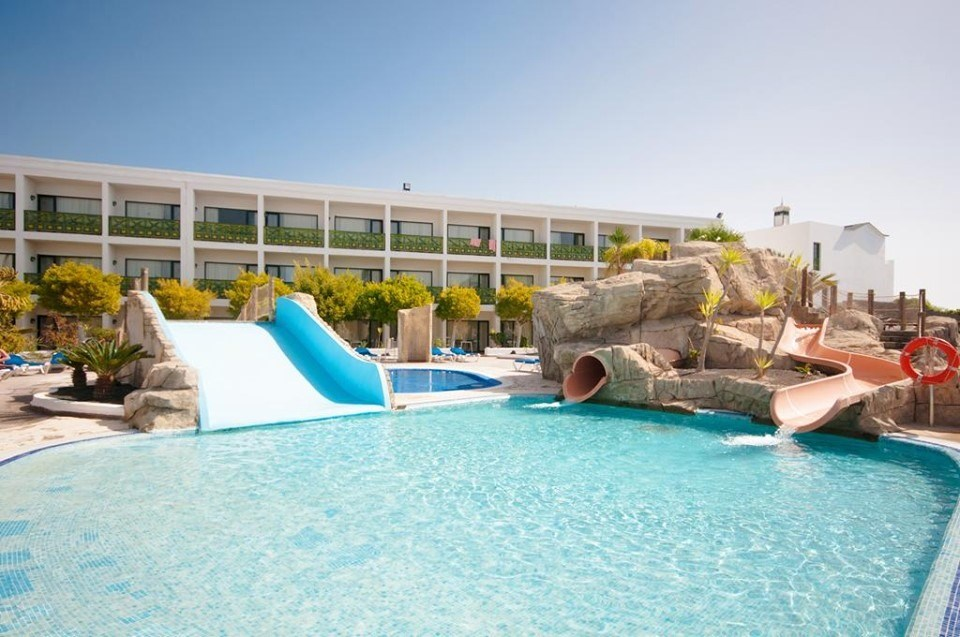 cheeky_trip: 4⭐️ Lanzarote All Inclusive from £229⁉️ 😍  Nov - March 2021 dates ➡️ https://bit.ly/2wMOhPP 4 night breaks with return flights Hotel - Blue Sea Costa Bastian  #SME #MondayMotivation #TuesdayThoughts #WednesdayWisdom #ThursdayMorning #Friday…