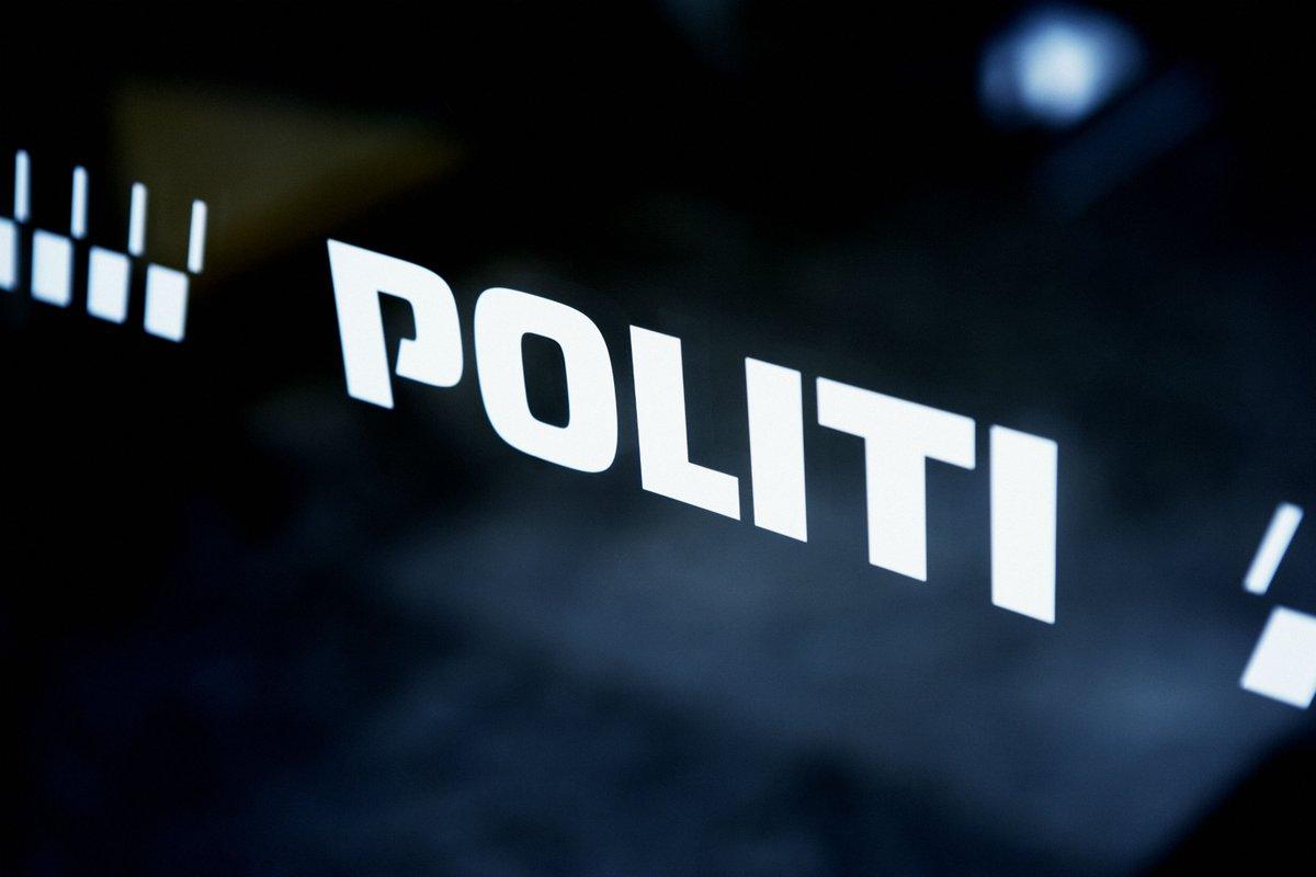 Nordjyllands Politi holder door step #politidk https://t.co/tlg2lu42SC https://t.co/f5Y199O20I