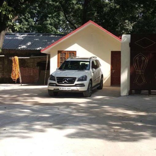 Left materialistic world??? Really @khanumarfa ?? Have some shame.. Photos of Maulana Saad's Shamli farmhouse. <br>http://pic.twitter.com/WXfTeheHPz @AdityaRajKaul