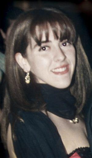 En el día de hoy se cumplen 18 años del secuestro de mi amada hija Marita. A pesar del paso del tiempo, todo los días está presente en nuestro corazón y en nuestra vida. De su hermano Horacio, su hija Micaela y en la mía. https://t.co/2E9EkGh01J