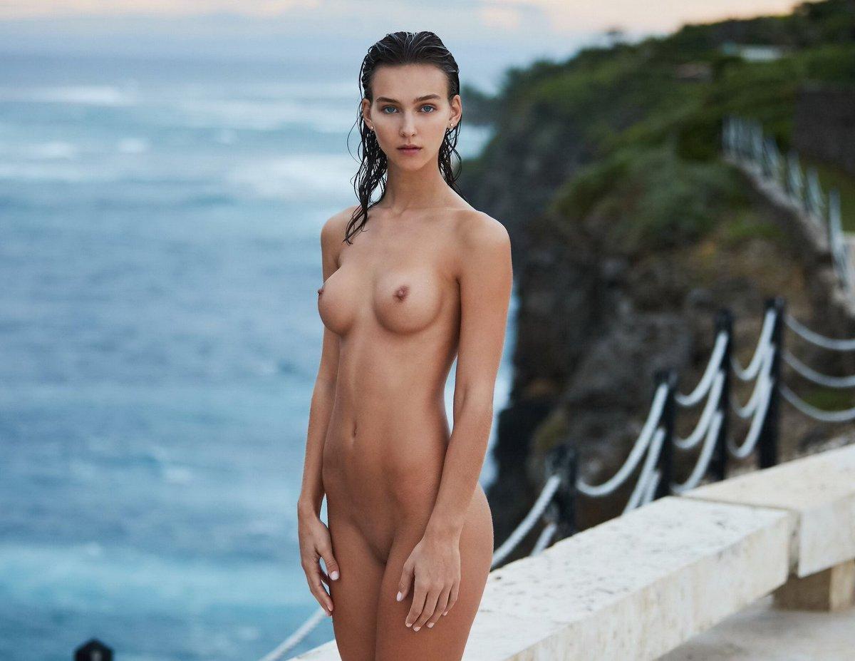 Jules Nude