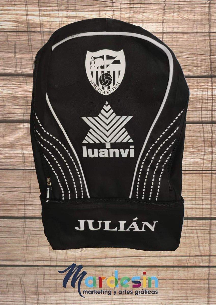 Le hacemos el prototipo de mochila Luanvi personalizada para el entrenador de la Escuela de Fútbol Sala Siruela Futsal  #vinilo #ropadeportiva #personalización #equipaciones  http://mardesin.com/pic.twitter.com/bjsuE7xeA5