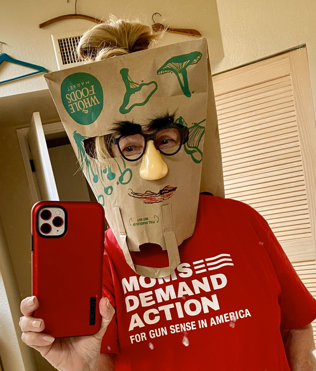 #FreakyFriday @MomsDemand show us your  PPE Personal Protection. We are creative, persistent, we #KeepGoing... even thru #COVID19   MOMS will be here.. virtually working for #CommonSense #GunLaws  text JOIN to 644-33. pic.twitter.com/VcuyQ9xBWu