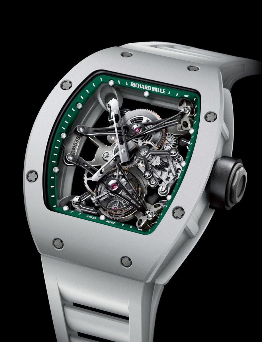 #Historicalmodels In subtle reference to @bubbawatson 's triumph in Augusta, #RichardMille produced a special edition of the RM 038 for charity. Named the Victory Watch, theses four pieces were embellished with a rear sapphire glass engraved with Bubba's personal signature. https://t.co/iGBSF9NJC0