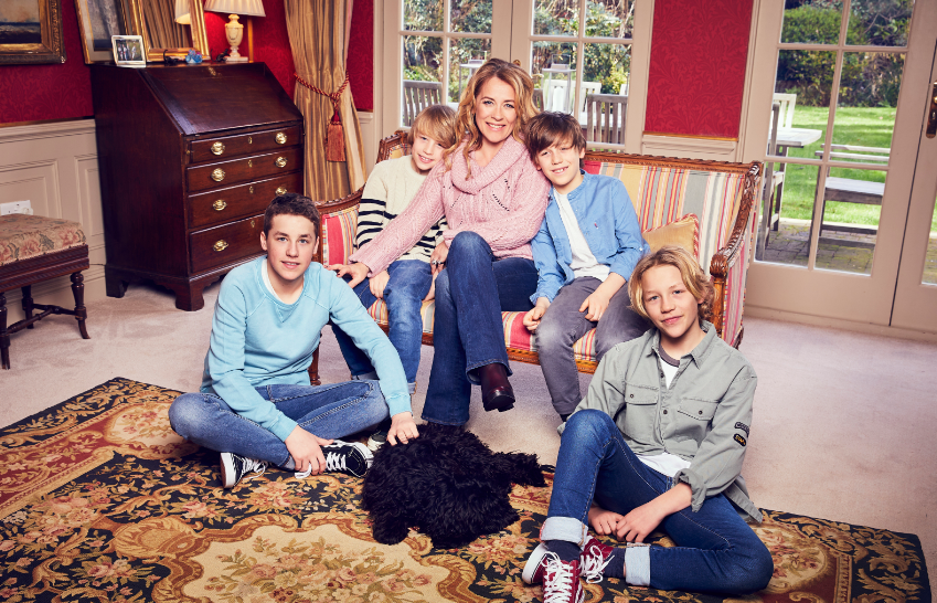 Family tragedy forced Sarah Beeny to break own golden rule and move house mirror.co.uk/3am/celebrity-…