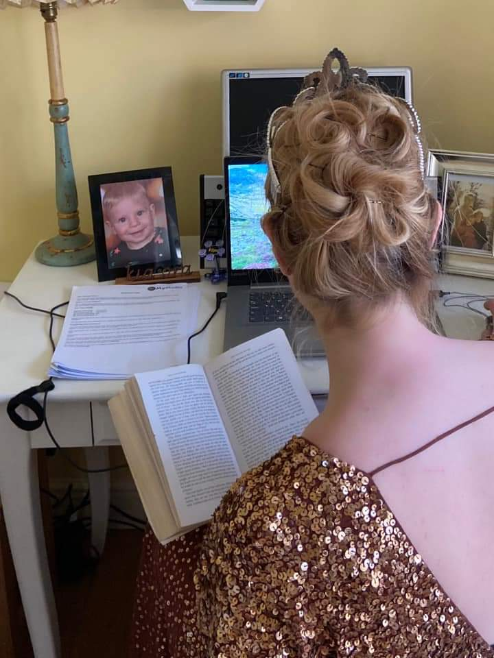 How lovely is this: Mrs Moore and her Classics students decided to have their last Zoom lesson before the Easter holiday wearing full Prom attire!   #Classy #Classics #StMarysLearningAtHomepic.twitter.com/2tZDhNP6S3
