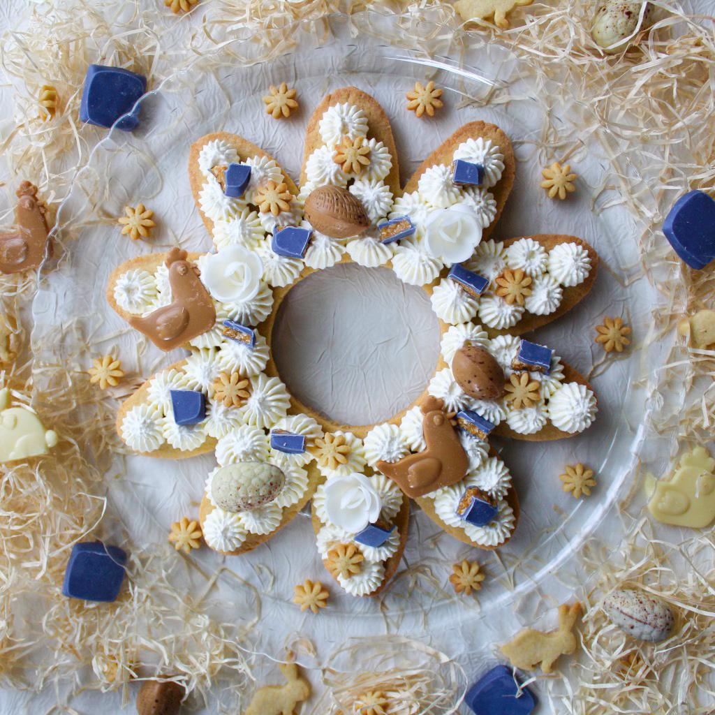 Mon Flower Cake de Pâques🐤Pour la décoration, j'ai utilisé les jolis oeufs en chocolat, les Quernons d'Ardoise et les petites fritures de La @MaisonDuQuernon 😚Excellent week-end à vous 💕 #paques #chocolat #patisserie #angers #blogger https://t.co/Q3rhVZfyAX