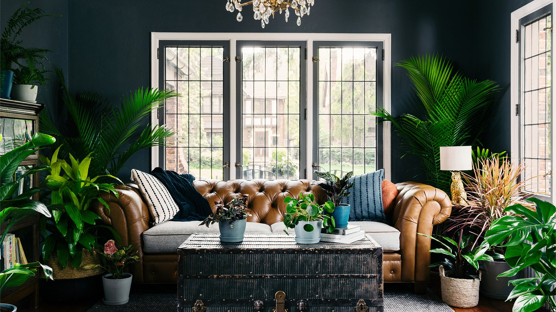 9 Stylish Interior Backgrounds to Elevate Your Next Zoom ...