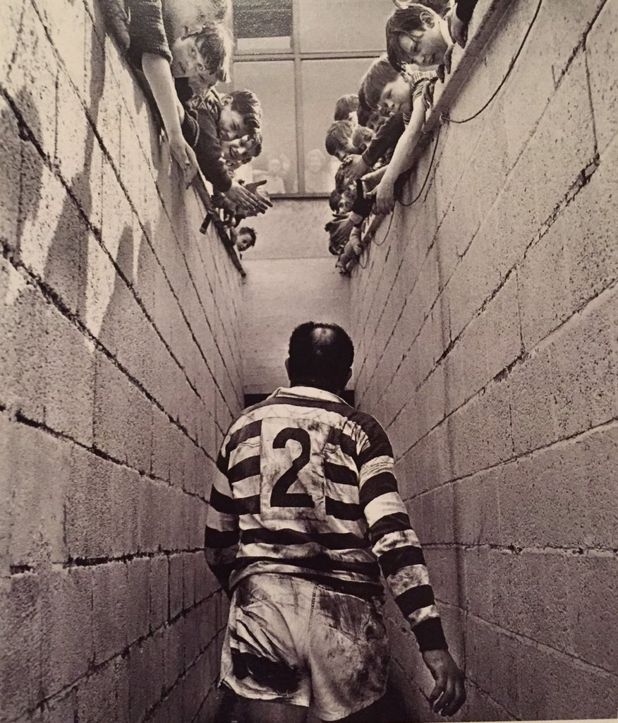 If you are a Rugby League person please join the challenge of posting an RL photo. Just one picture, no description. Please copy the text in your status, post a picture and look at some great memories/pictures. Missing Rugby League very much! pic.twitter.com/nXoBz7ggSb