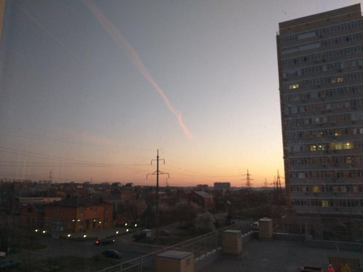 Кросевый вечер)#РостовнаДону pic.twitter.com/JTCkALRhlJ