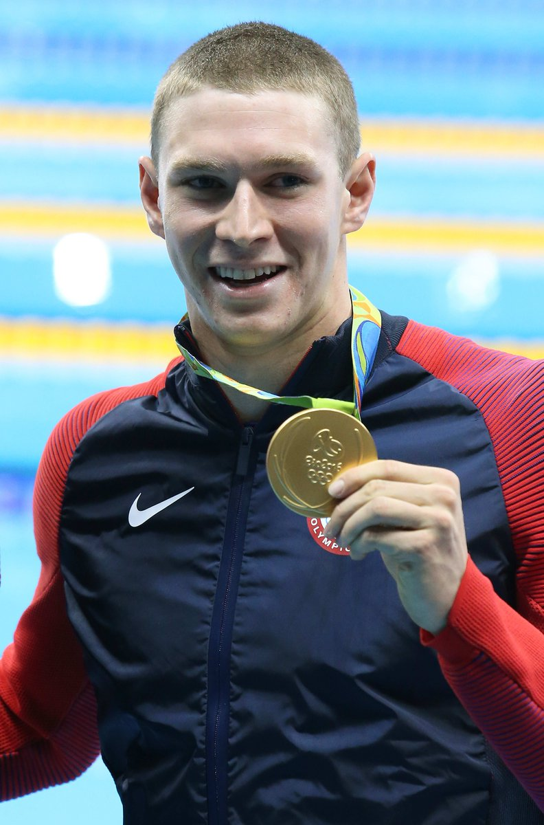 You can't swim like this 3-time Olympic gold medalist, but you should #invest like him. #FinancialFriday https://buff.ly/2JHNhzvpic.twitter.com/aXITWhd2aD