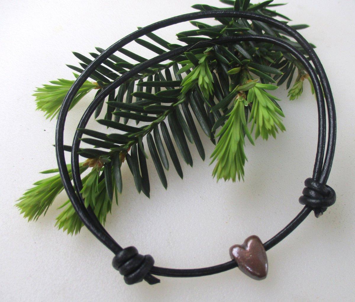 #HeartJewelry #FriendshipBracelet Single Heart Leather Bracelet