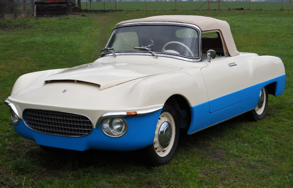 "1956 #Škoda 440 ""#Spartak"" #convertible Damn #cool #car you should #Czech it out #1950s #designpic.twitter.com/LAPArVvp7J"