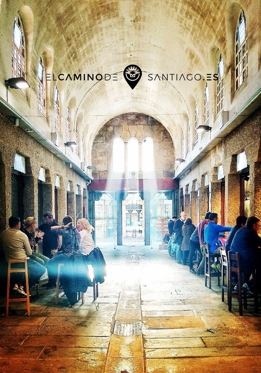 #porfinviernes!!! Y nosotros nos vamos de #vinos virtuales por #SantiagodeCompostela!! 🍷🍷🍷🍷  #ganasdecamino en   #peregrinos #pilgrims #theway #elcaminodesantiago #caminar #sentir #vivir #ilcamminodisantiago #buencamino #peregrino #peregrina #gastro