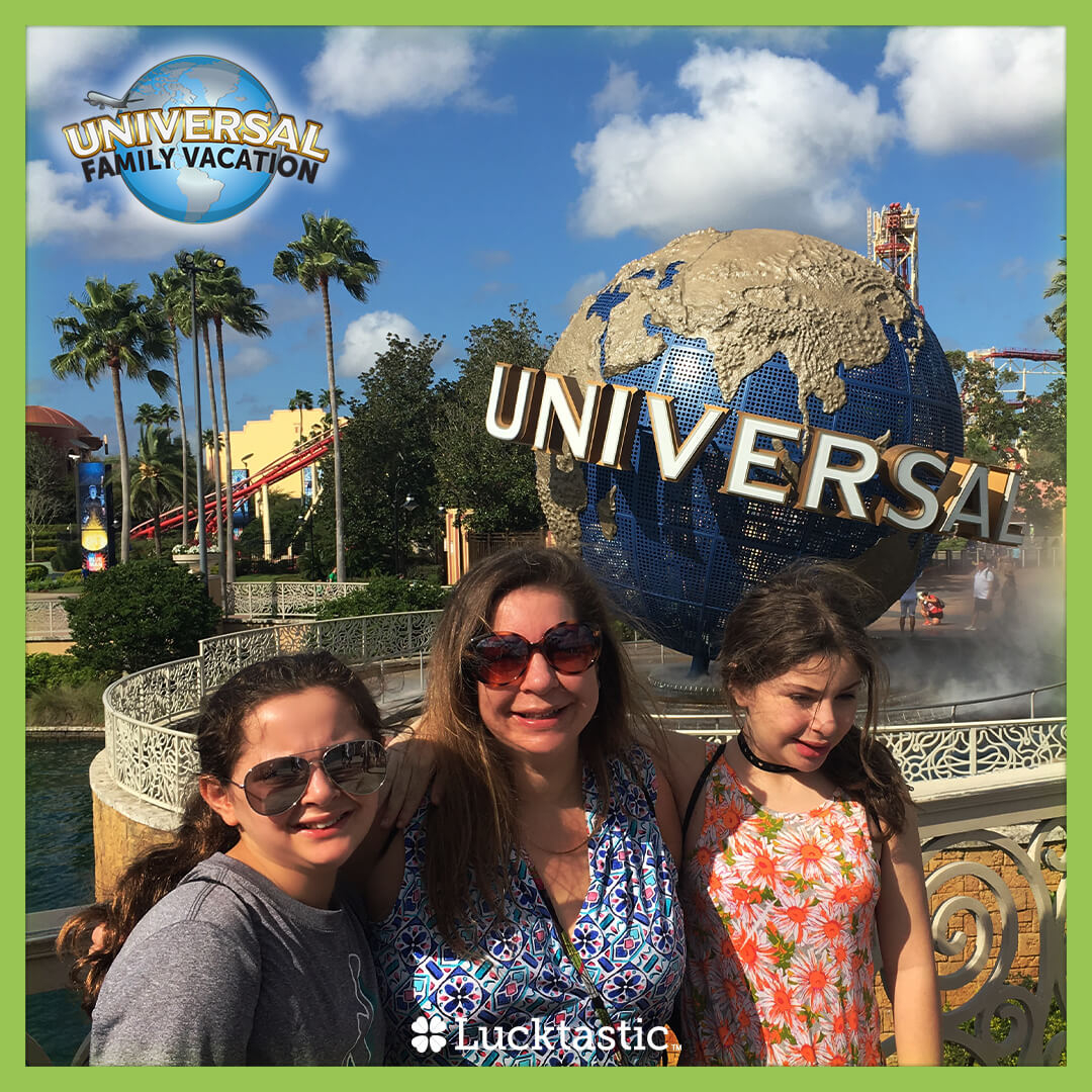 ☀️ Explore two amazing parks: Universal Studios Florida (™) and Universal's Islands of Adventure (™). There's no end to the family fun! 👨‍👩‍👧‍👧 Enter Destination: Universal Vacation for YOUR chance to win a trip for 4 to Universal Orlando Resort (™)!