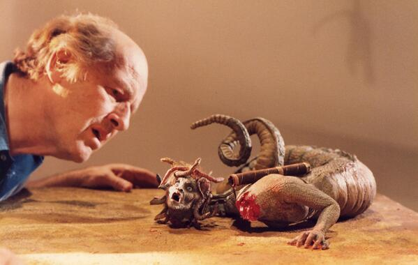 RAY HARRYHAUSEN & Medusa … working, playing … CLASH OF THE TITANS (1981) #fantasy #legend #icon<br>http://pic.twitter.com/DzHXVyOB73