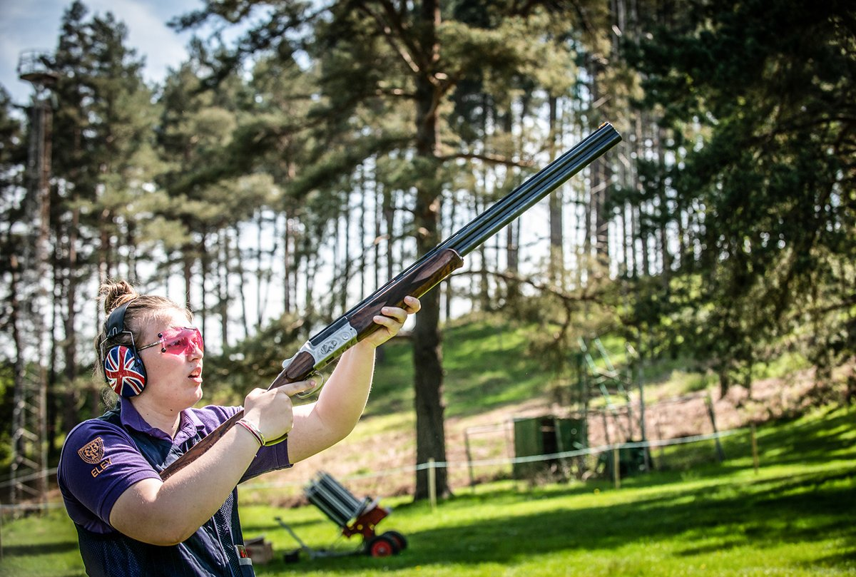 What a great photo of the amazing Lucy Hall. Lucy's a Junior Team GB Olympic Trap shooter.   Cartridge choice and reliability is crucial in all shooting disciplines that's why Lucy chooses our Eley Hawk VIP Trap in 24g 7 1/2.  #eleyhawk #lucyhall #olympics #teamGB #olympictrap pic.twitter.com/yG0gfO5UWG