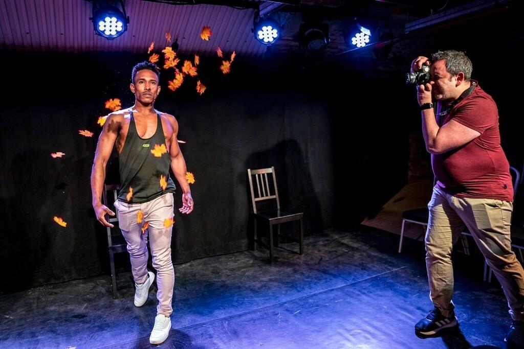 Body Talk by Full Disclosure Theatre Company Exploring a Seasonal Photoshoot here!  Performed as part of Vault Festival 2020.  instagr.am/p/B-iAXhCjLOJ/