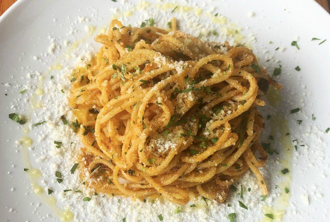 How to make nonna's spaghetti, according to Jame Enoteca Chef Jackson Kalb bit.ly/2UUkOeQ
