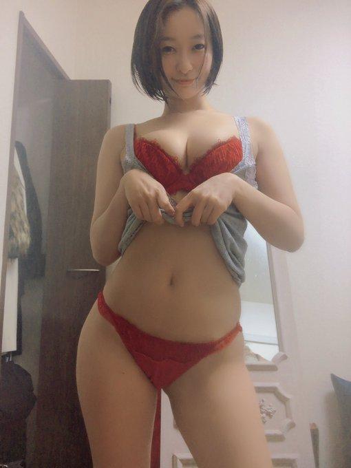 グラビアアイドルの自撮りエロ画像29
