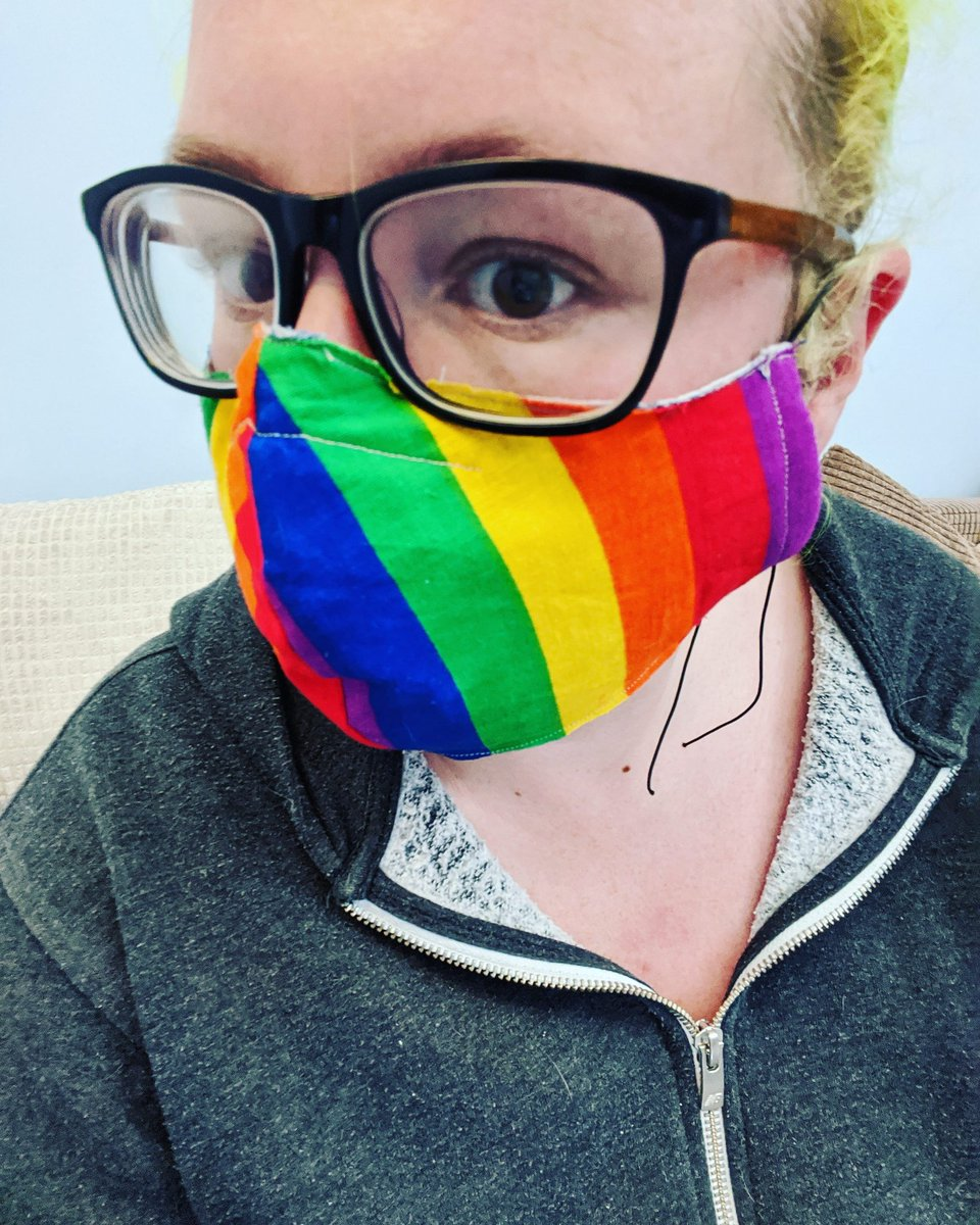 I've been making three layer masks. This is my first attempt. I'm still mad that I'm not allowed new contact lenses cause I was due an eye test so I've got to live in my Grandad glasses for like, ever.pic.twitter.com/TmdKWWJCJb