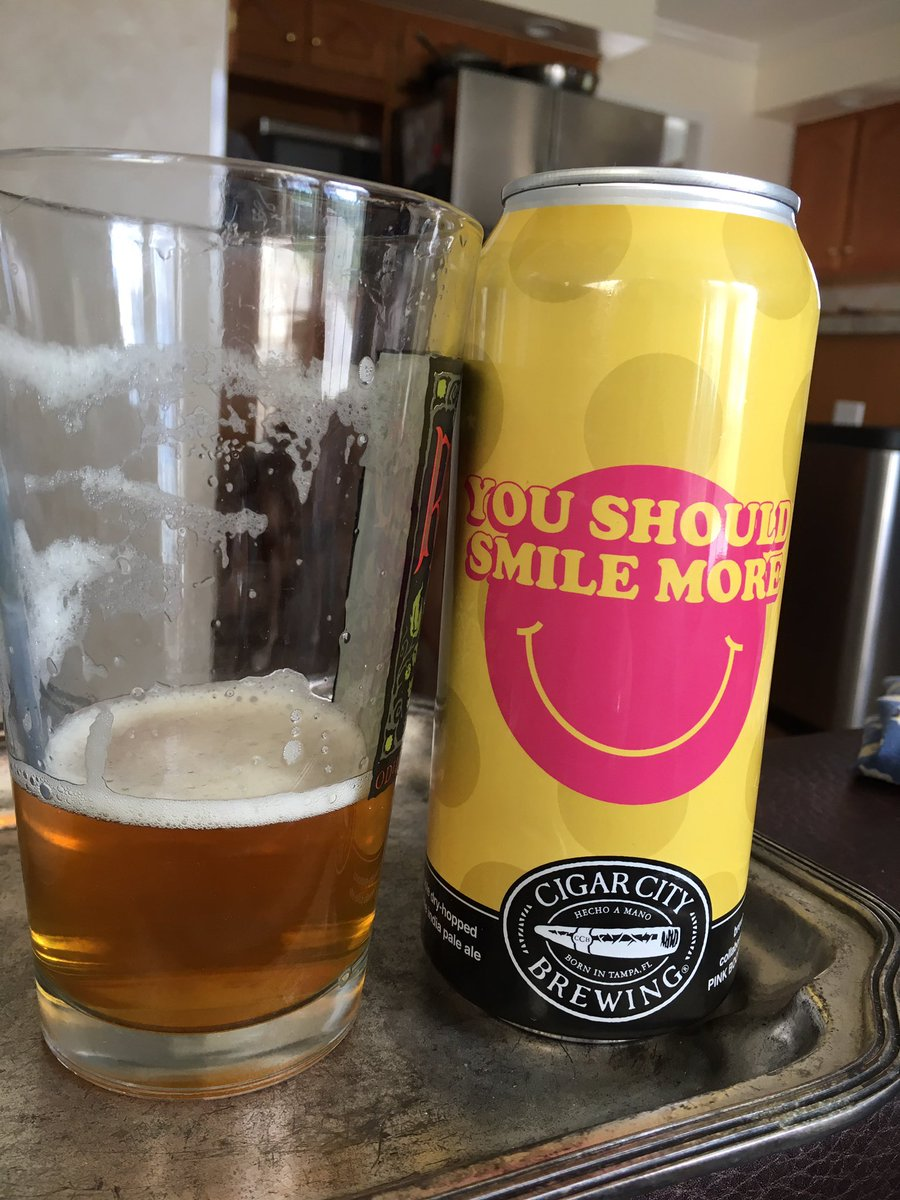 Starting off Friday like it's been a week... #CraftBeer @CigarCityBeer #youshouldsmilemorepic.twitter.com/uFFt45ZRsz