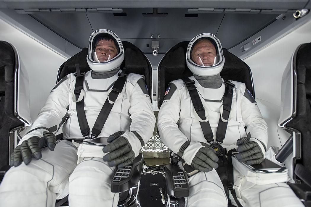 Falcon 9 (Crew Dragon USCV-1) - KSC - 31.10.2020 EUuTtjQXYAAy5eM?format=jpg&name=medium