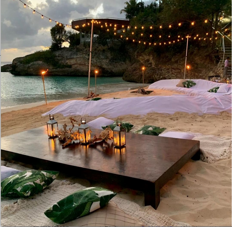 We can't wait for the summer nights -- what about you?  😎💕  #prom #promavenue #summer #vacation #summernights #summerparties