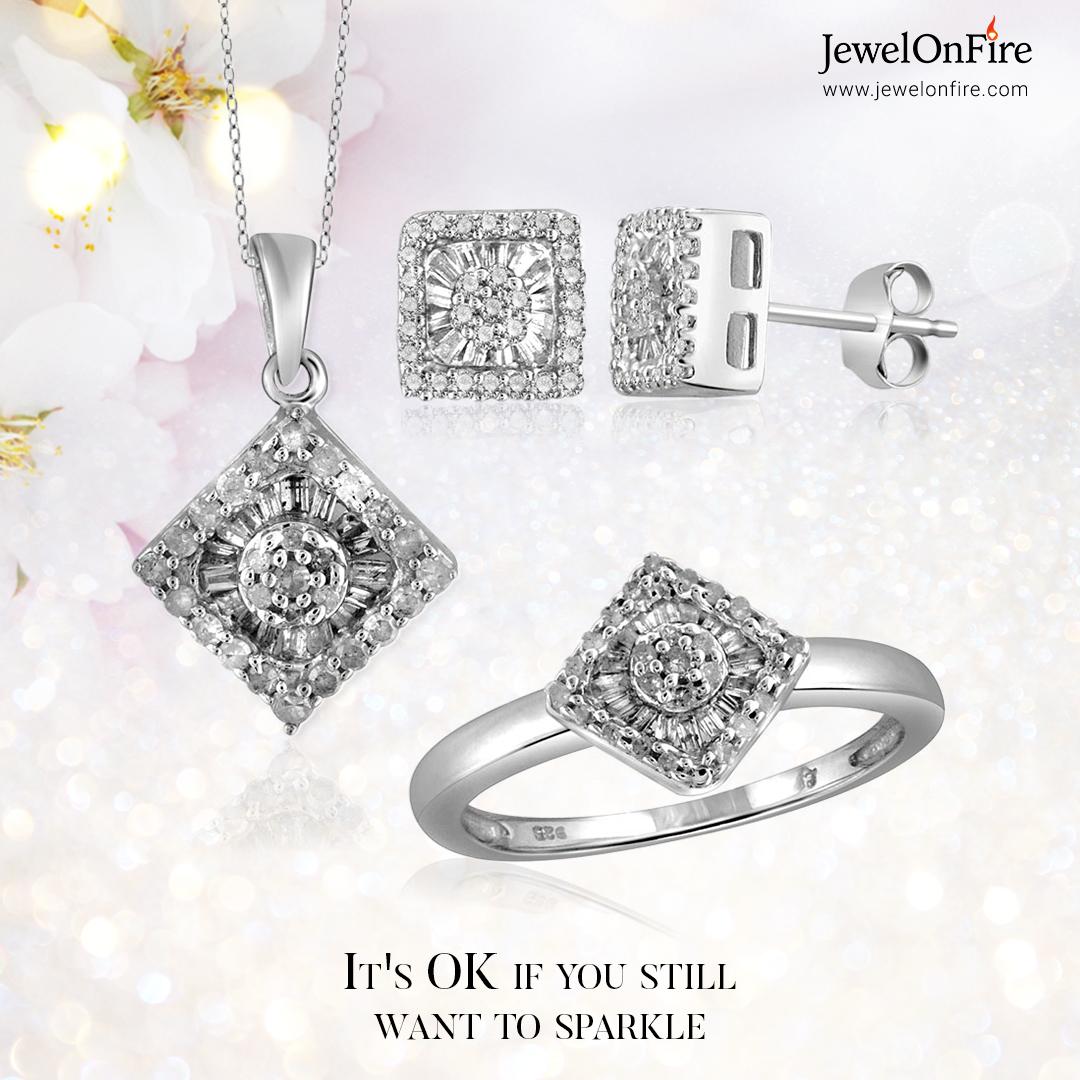 Be grateful. Have hope.   #pendant #pendantset #necklace #earrings #diamondearrings #diamondpendant  #jewels #jewelry #women #gift #jewelrylover #jewelryshop #jewelrylove #jewelrystore #jewelrydesign #sale #savings #JOF #JewelOnFire