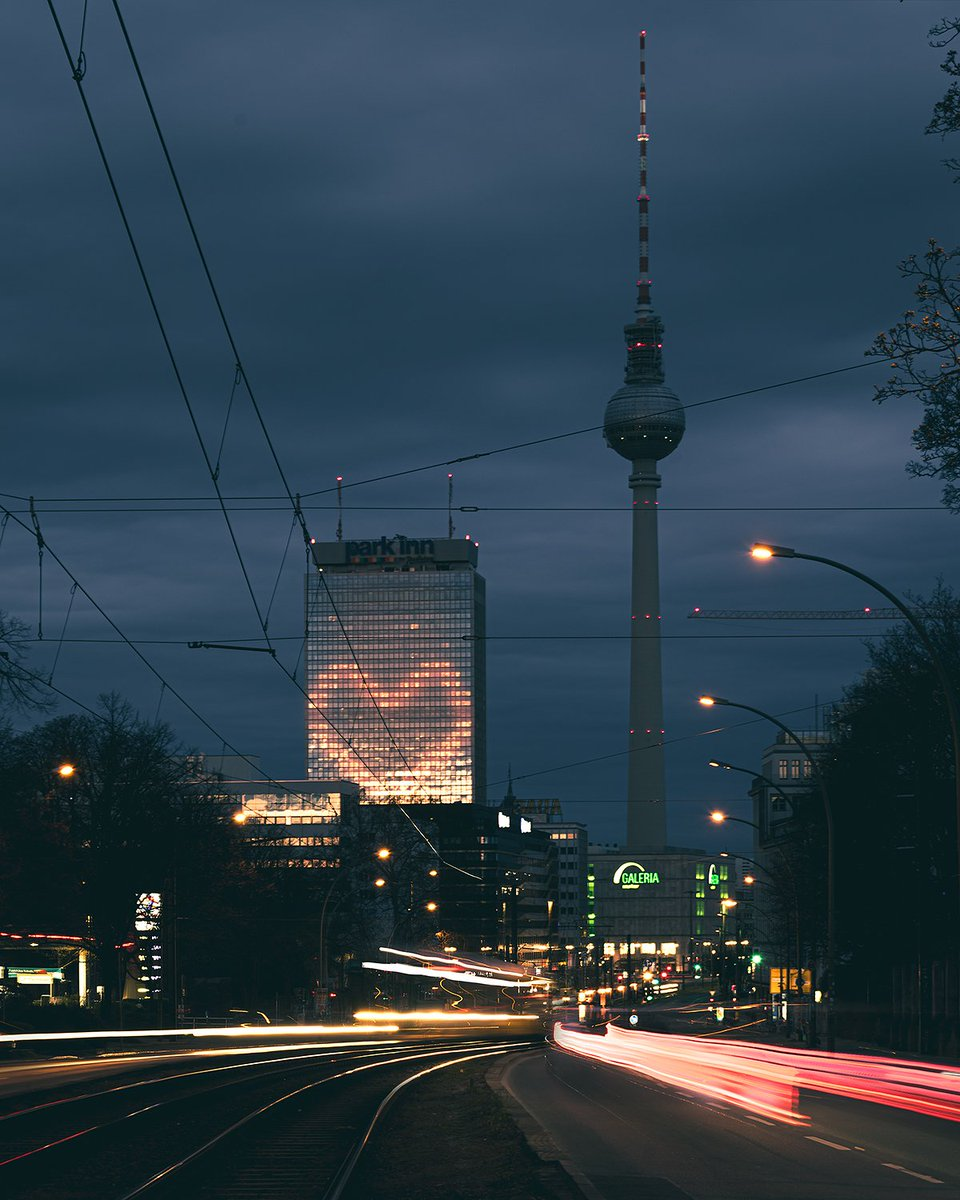 From Berlin with Love #fromberlinwithlove #StayAtHome #berlin pic.twitter.com/EKa17jMgJ5