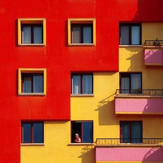 colourful minimalist architecture <br>http://pic.twitter.com/AEAJRaLiAK