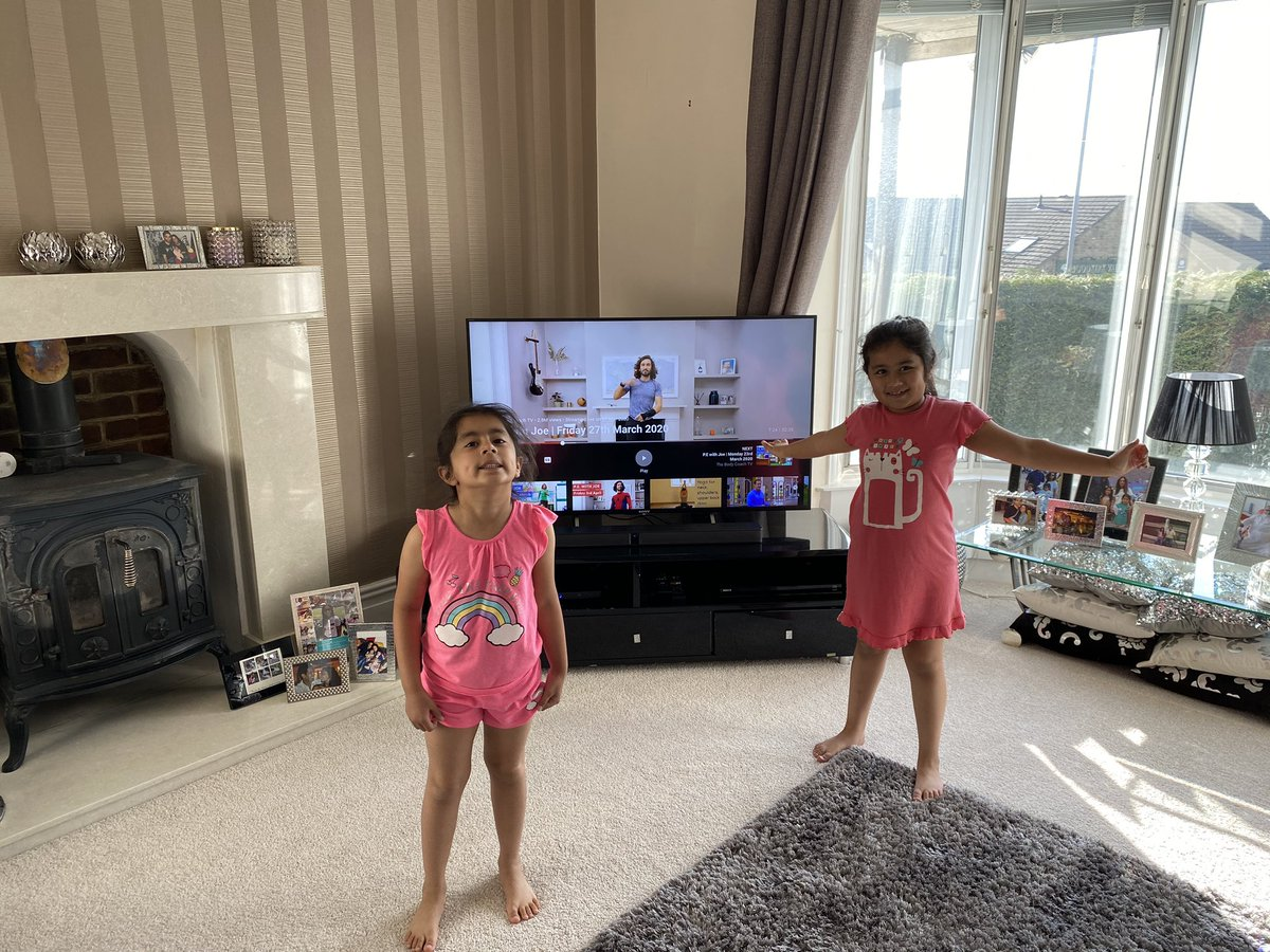 #PEWithJoe is for life not just for school days. We're ready for ya @thebodycoach Alayna and Islah are ready to boss it 💪🏼💯 Come a great join in @ImaanChoudry