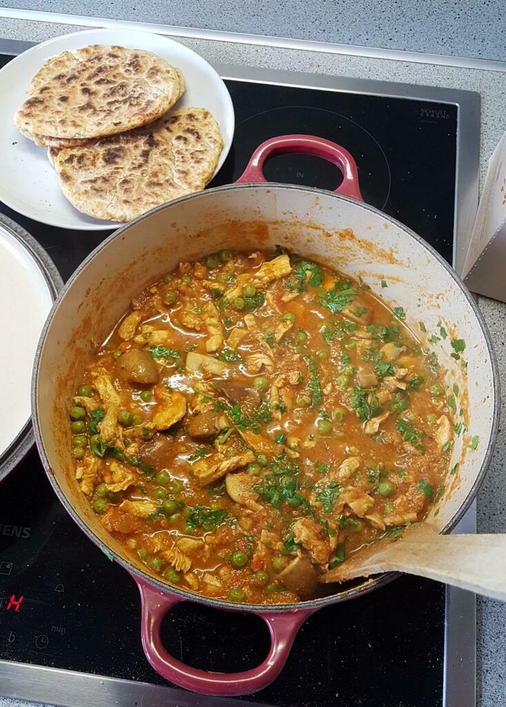 [homemade] Chicken madras and garlic naan via /r/#foodporn
