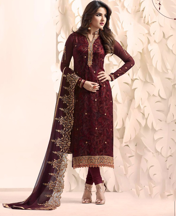 Get on the fashion train and purchase our #bestselling salwar suits at Asian Couture.  Shop now @ https://www.asiancouture.co.uk/brands/amirah   #Indiancouture #Indianwear #salwarsuits #eidsuitspic.twitter.com/JnSKAsACkE