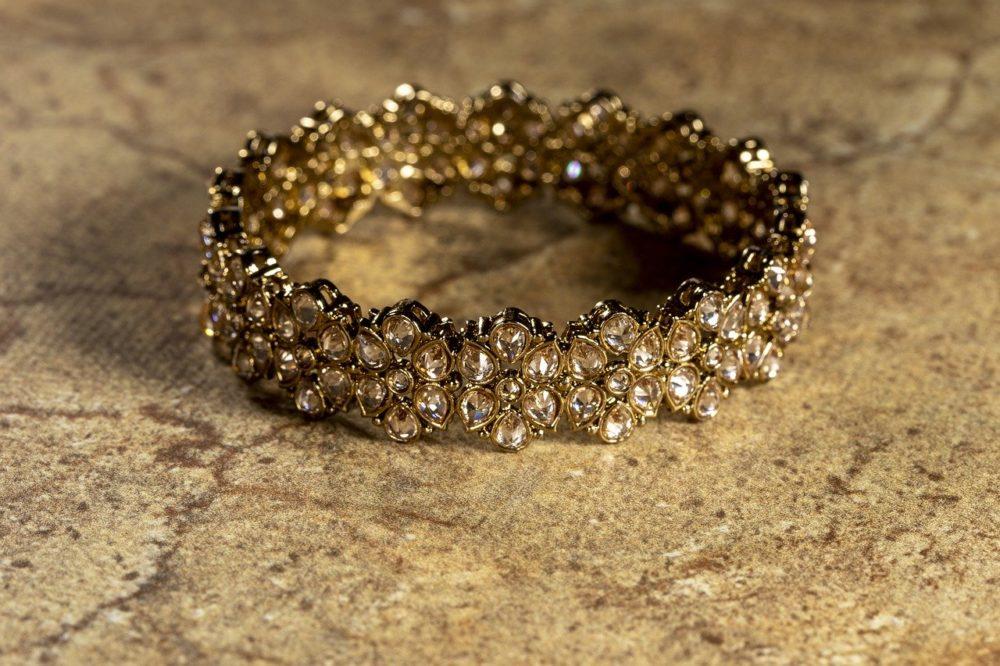 Oh just take a look at this!  #jewelrybox #jewelrystore #jewelryjunkie #jewelrylovers #jewelrysale