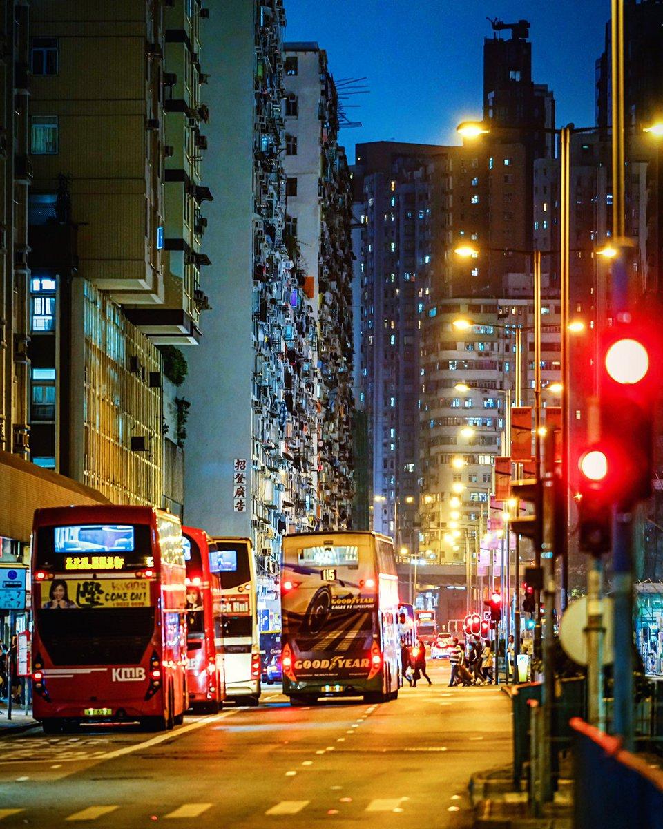 Night street TKW #hongkong #discoverhongkong #nightshooters #streetphotography #nightphotography #covid19hk #香港 https://www.instagram.com/p/B-jy0_HpGem/?igshid=11prm0txjkdyu…pic.twitter.com/vodCWODCaC