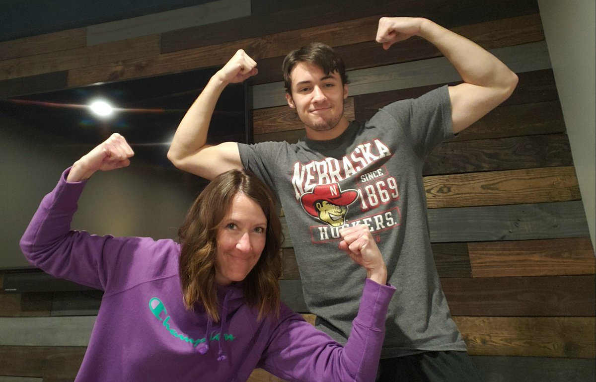 We definitely miss seeing these faces! We are very thankful our students are still willing to share with us their excitement! #FamilyFriday/#FlexFriday!! pic.twitter.com/nDdMrm0xtZ