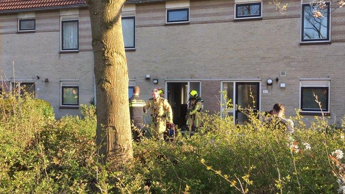 Binnenbrand aan de Perzikenstraat Naaldwijk betrof keukenbrand. Niemand gewond geraakt https://t.co/pEtfplFOAc