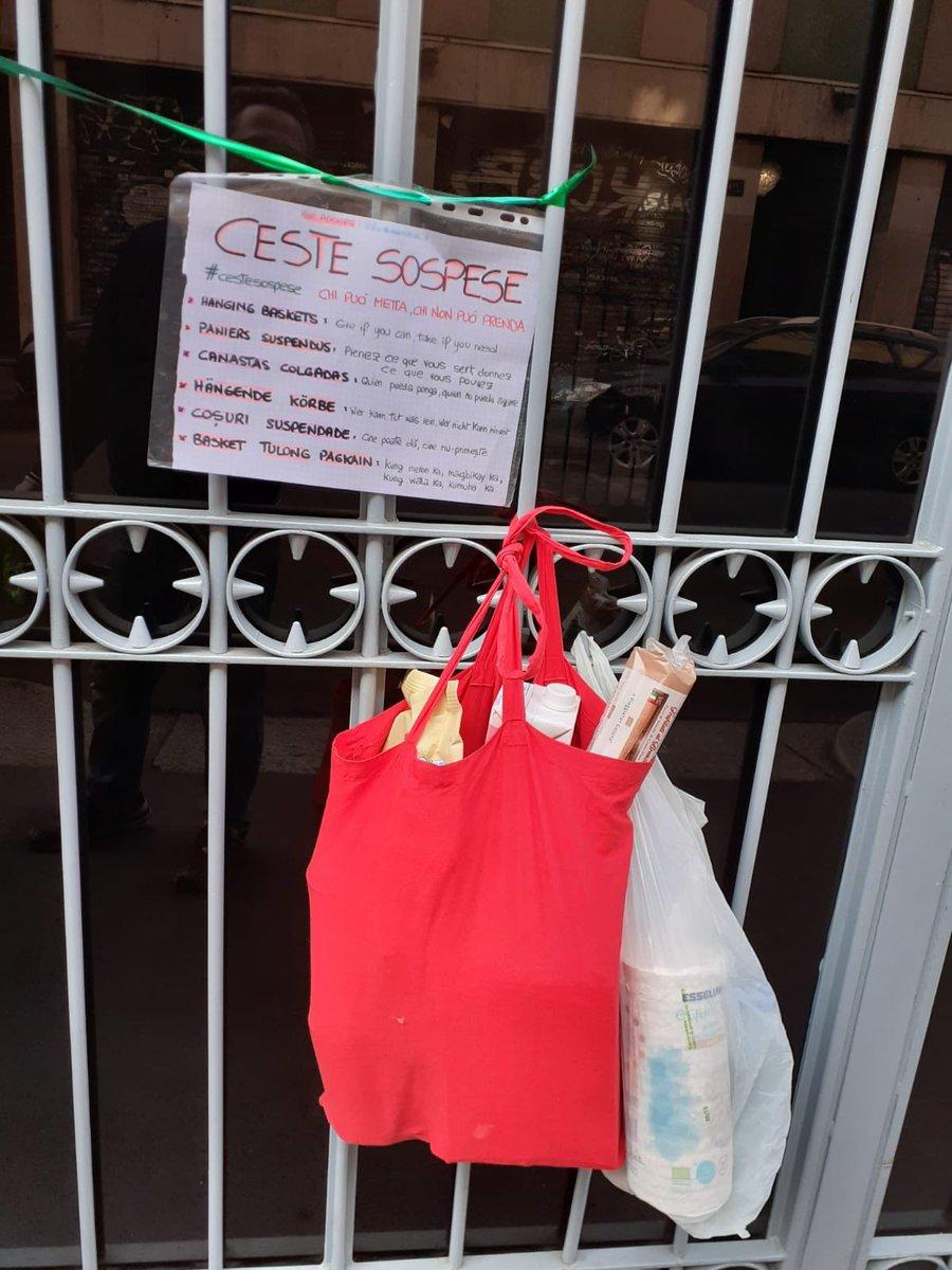 #cestesospese a #Milano  #andratuttobene #quarantena https://t.co/eMq6lyGpTK