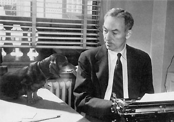 Always be on the lookout for the presence of wonder. E.B. WHITE  #amwriting #writing #writinglife pic.twitter.com/L2WqDwefDN