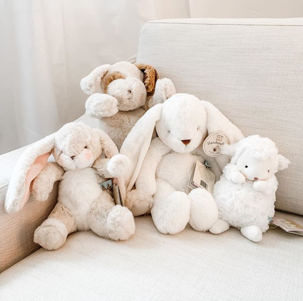 The snuggliest bunch! We hope you are all enjoying your weekend  . . . . #bunniesbythebay #givegladdreams #bunnylove #puppylove #weekiddo #stuffedanimals #eastergift #easterbasketpic.twitter.com/sOJjPaWttN