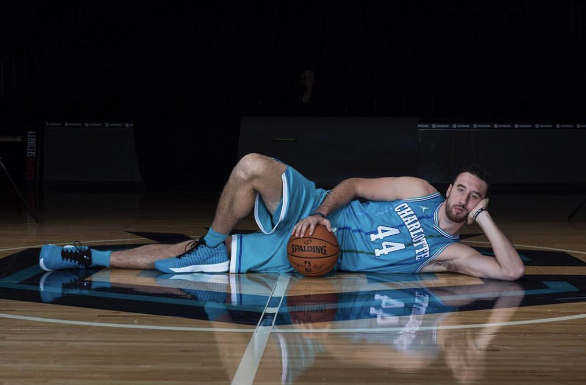 Happy Birthday, @FSKPart3 (aka dad)! Glad to see Phoenix is treating you well. Miss you in Charlotte  #44ever  https:// twitter.com/Suns/status/12 46535915742416896  … <br>http://pic.twitter.com/dbyGxe9ExG